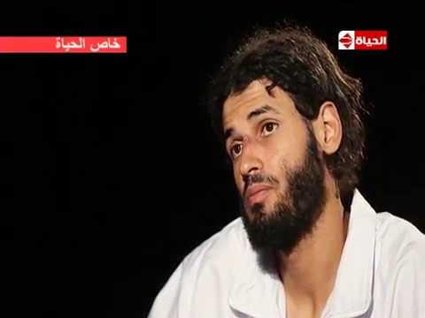 شاهد الإرهابي الأجنبي عن قتل رجال الشرطة الدين بيقول حلال