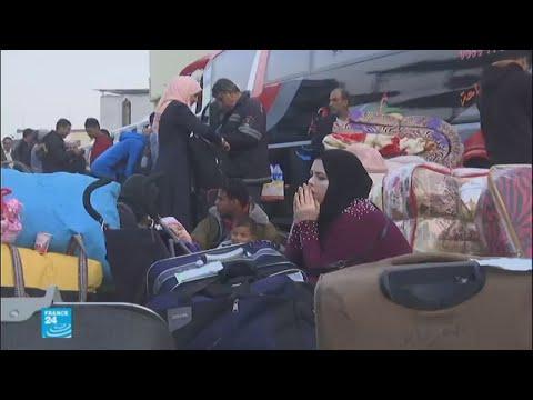 شاهد آلاف العالقين الفلسطينيين في معبر رفح الحدودي