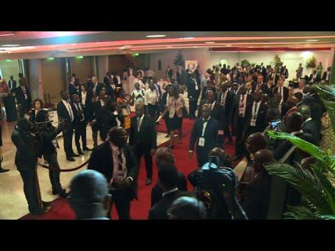 شاهد القمة الأوروبية الأفريقية تسعى لتأمين الوظائف