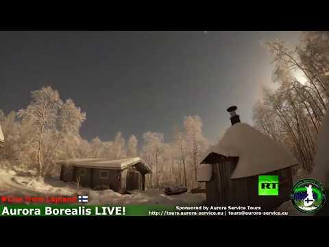 شاهد شفق قطبي ونيزك في سماء فنلندا في لحظة واحدة
