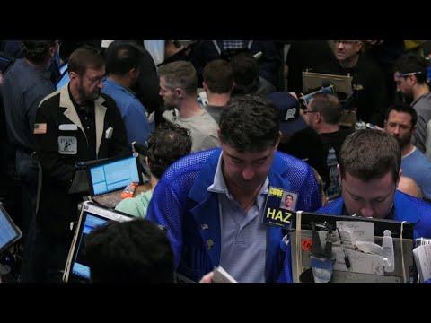 شاهد عملة بيتكوين الإلكترونية في بورصة شيكاغو الأميركية