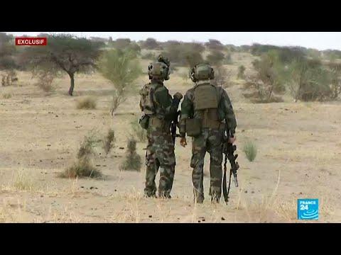 شاهد  القوات الخاصة الفرنسية تستعد للقتال