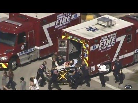شاهد لحظة إطلاق النار داخل ثانوية دوغلاس في فلوريدا