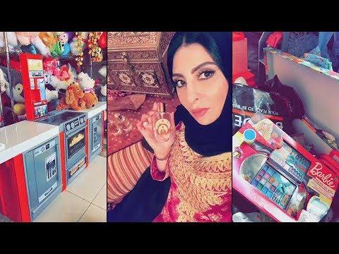 شاهد زينب العسكري تتبرع بألعاب بناتها