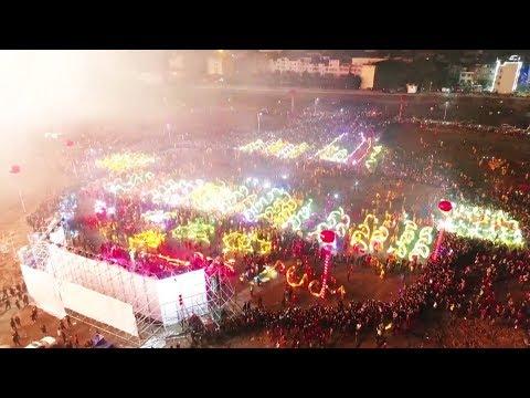 شاهد مهرجان المصابيح يزين سماء الصين