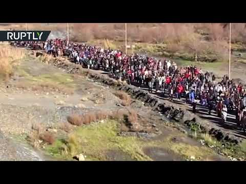 شاهد اشتباكات بين الأمن والمتظاهرين في جرادة المغربية