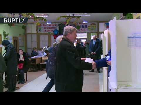 يافلينسكي يدلي بصوته في الانتخابات الرئاسية الروسية