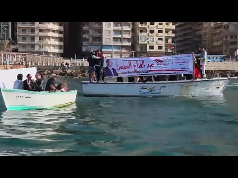 شاهد شوارع مصر تكتسي بلافتات لتأييد عبد الفتاح السيسي