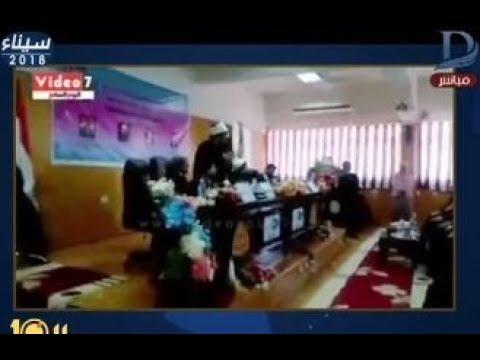شاهد وزير الأوقاف يهاجم طالب ويصفه بـ الحمار
