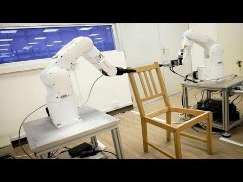 شاهد كيف تقوم روبوتات إيكيا بتركيب كرسي
