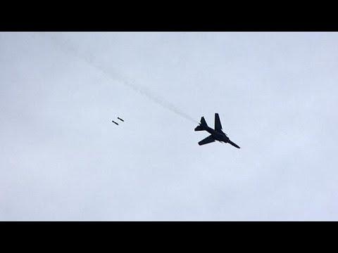شاهد طيران النظام السوري يستهدف مناطق جنوب دمشق