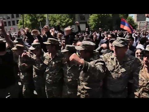 شاهد رئيس وزراء أرمينيا يعلن أنه سيستقيل بعد تصاعد الاحتجاجات ضده