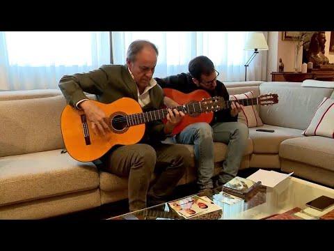 شاهد هذا الشخص وأبنائه يكشفون أسرار صناعة الغيتار الإسباني