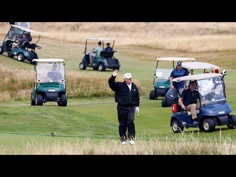 شاهد الرئيس دونالد ترامب يلعب الغولف