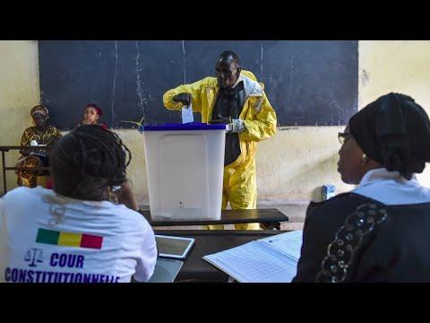شاهد أجواء من التوتر تسود جولة الإعادة بالانتخابات الرئاسية في مالي