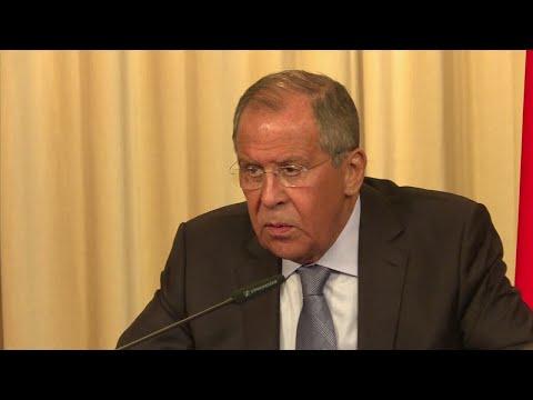 شاهد لافروف يتهم الأمم المتحدة بعرقلة إعادة إعمار سورية
