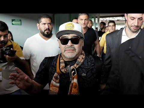 شاهدستقبال حافل لمارادونا في المكسيك