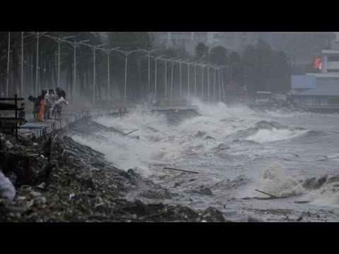 إعصار مانكوت يضرب سواحل الفلبين ويحدث دمارًا واسعًا