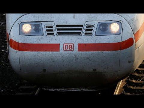شاهد اتحاد  عمال السكك الحديدية في ألمانيا يبدأ إضرابًا عن العمل
