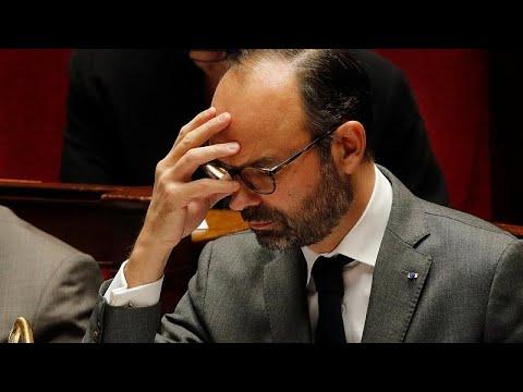 شاهد رئيس الحكومة الفرنسية يتوقع عجزًا بالميزانية يتجاوز الحد المقبول في الاتحاد الأوروبي