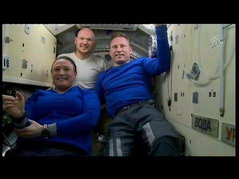 شاهد  عودة البعثة الفضائية 57 إلى الأرض