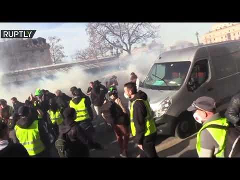 شاهداشتباكات عنيفة بين السترات الصفراء وقوات الأمن في فرنسا