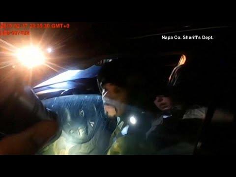 شاهد مشهد مرعب لمسلح يطلق النار على شرطية