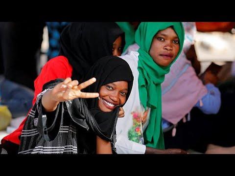 شاهد تعثر المفاوضات بين المحتجين والمجلس العسكري في السودان