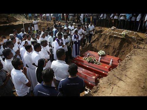 شاهد ارتفاع عدد ضحايا تفجيرات سريلانكا إلى 310 قتلى