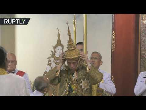 شاهد 75 كيلوغرامًا من الذهب الصافي المرصع بالألماس في تاج ملك تايلاند