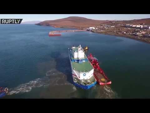 شاهد أول محطة نووية عائمة في العالم ترسو في نقطة تمركزها بأقصى شمال روسيا