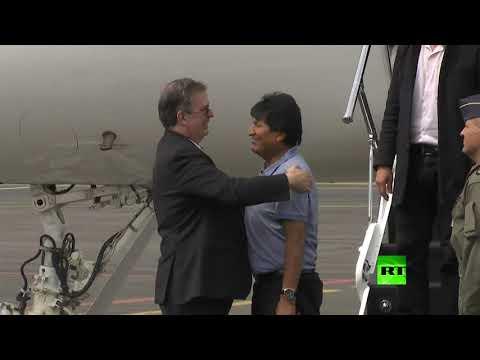 شاهد طائرة الرئيس البوليفي المستقيل تهبط في مطار العاصمة المكسيكية