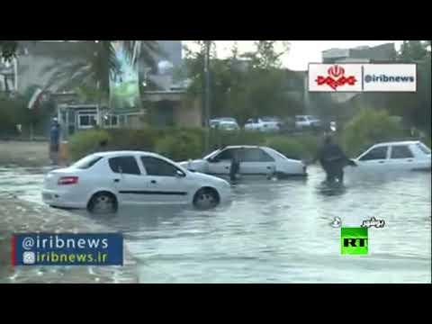 شاهد مياه الأمطار تغرق شوارع مدينة بوشهر الإيرانية