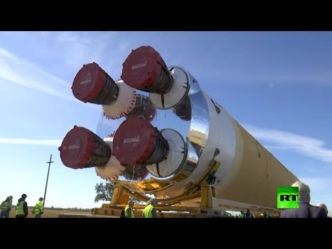 شاهد نقل صاروخ sls الفضائي لاختباره