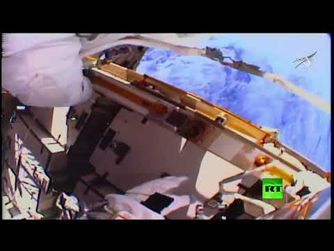 شاهد خروج الرائدتين الأميركيتين إلى الفضاء المكشوف