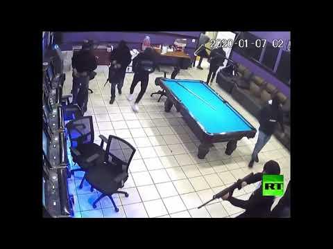 شاهد 8 مسلحين يسطون على مطعم في الولايات المتحدة