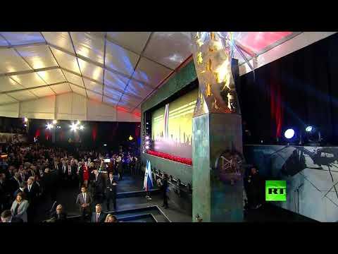 شاهد بوتين يفتتح نصبًا تذكاريا في القدس تخليدا لذكرى حصار لينينغراد