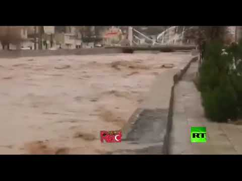 شاهد تحذيرات من فيضانات نتيجة الأمطار الغزيرة في إيران