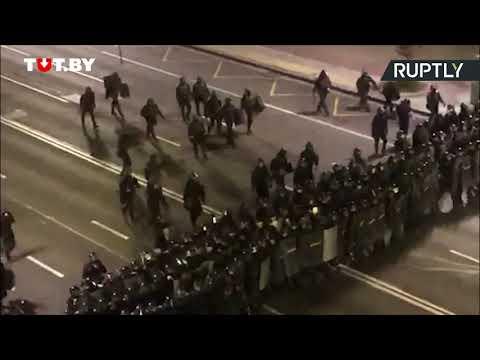 شاهد مقتل شخص في بيلاروسيا جراء اشتباكات بين الشرطة ومحتجين