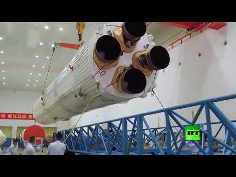 شاهد الصين تطلق قمرًا صناعيًا إلى الفضاء