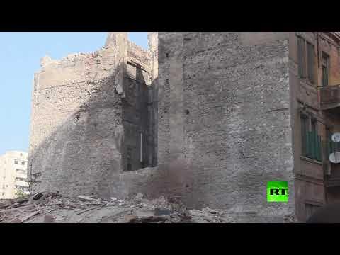 شاهد مشاهد جديدة من مكان انهيار البناية في حي محرم بك في الإسكندرية
