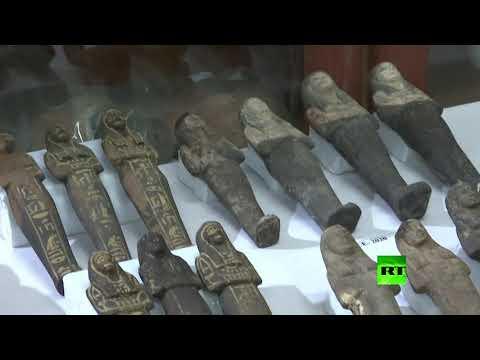 شاهد  اكتشافات أثرية بمنطقة سقارة في مصر