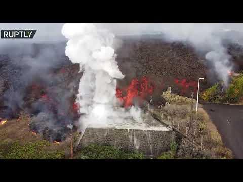 بركان كومبر فيجا يدمر مئات المنازل في جزيرة بالما الإسبانية
